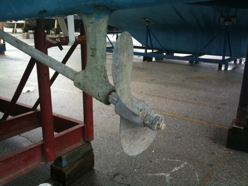 Original 2 blade propellor. Lots of prop walk with this.