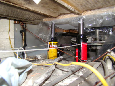 Supporting the floor from underneath with 2 hydraulic jacks
