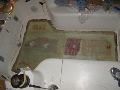 Floor fiberglass skin finished glassing. Job well done, time for bed.